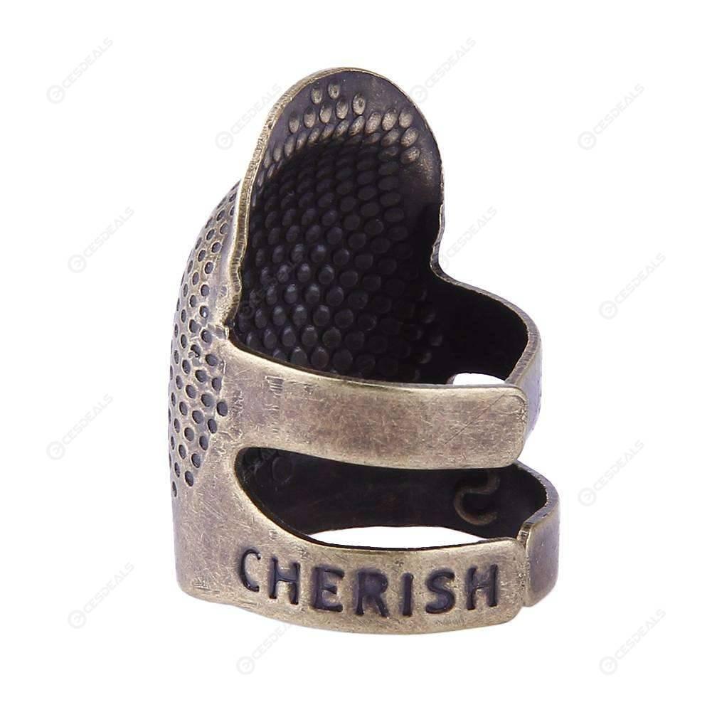 74cad90b3781 Protector de dedo retro dedal anillo Handworking aguja coser accesorios ...