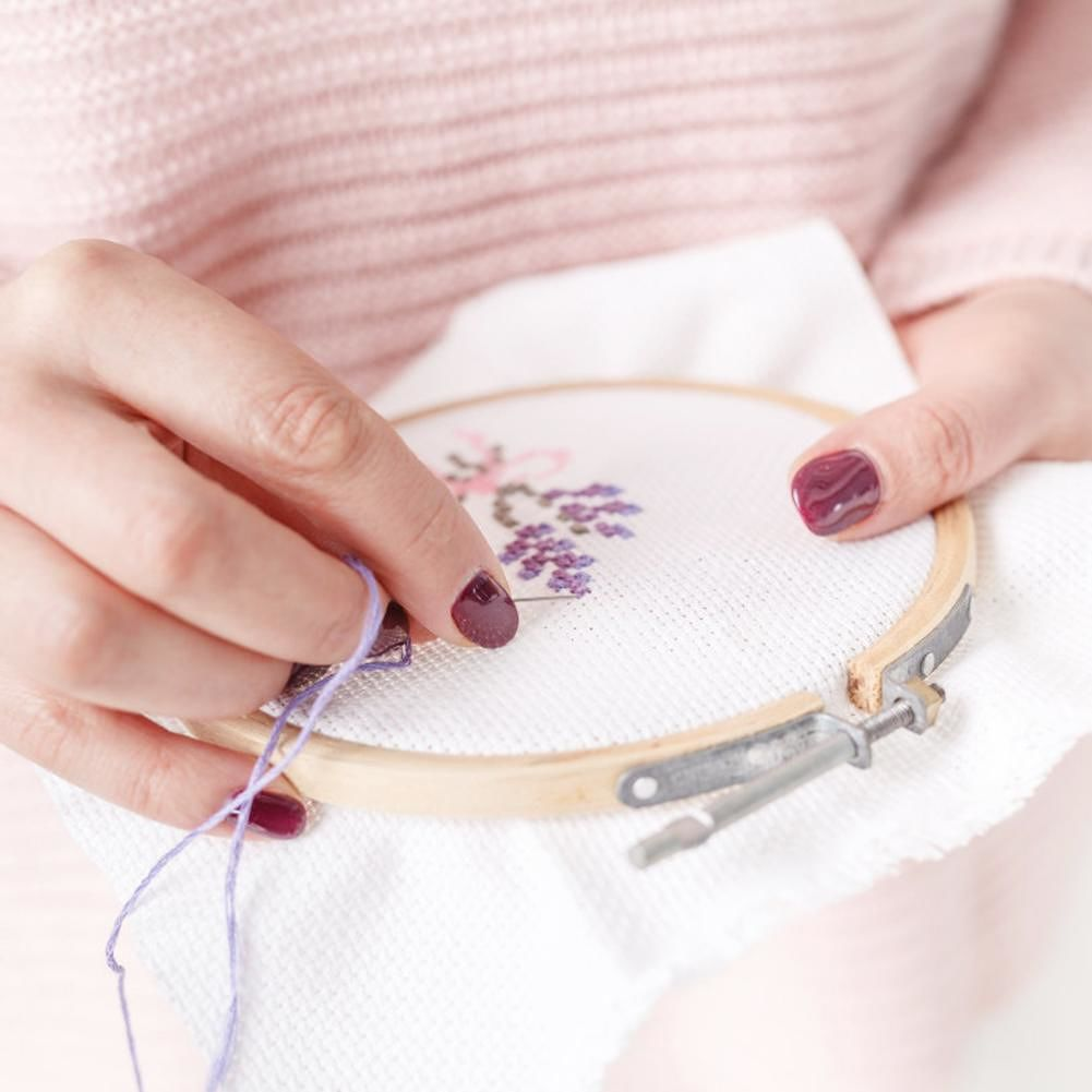 Bamboo Cross Stitch Embroidery Hoops+Needles (50 Color Embroidery Thread)